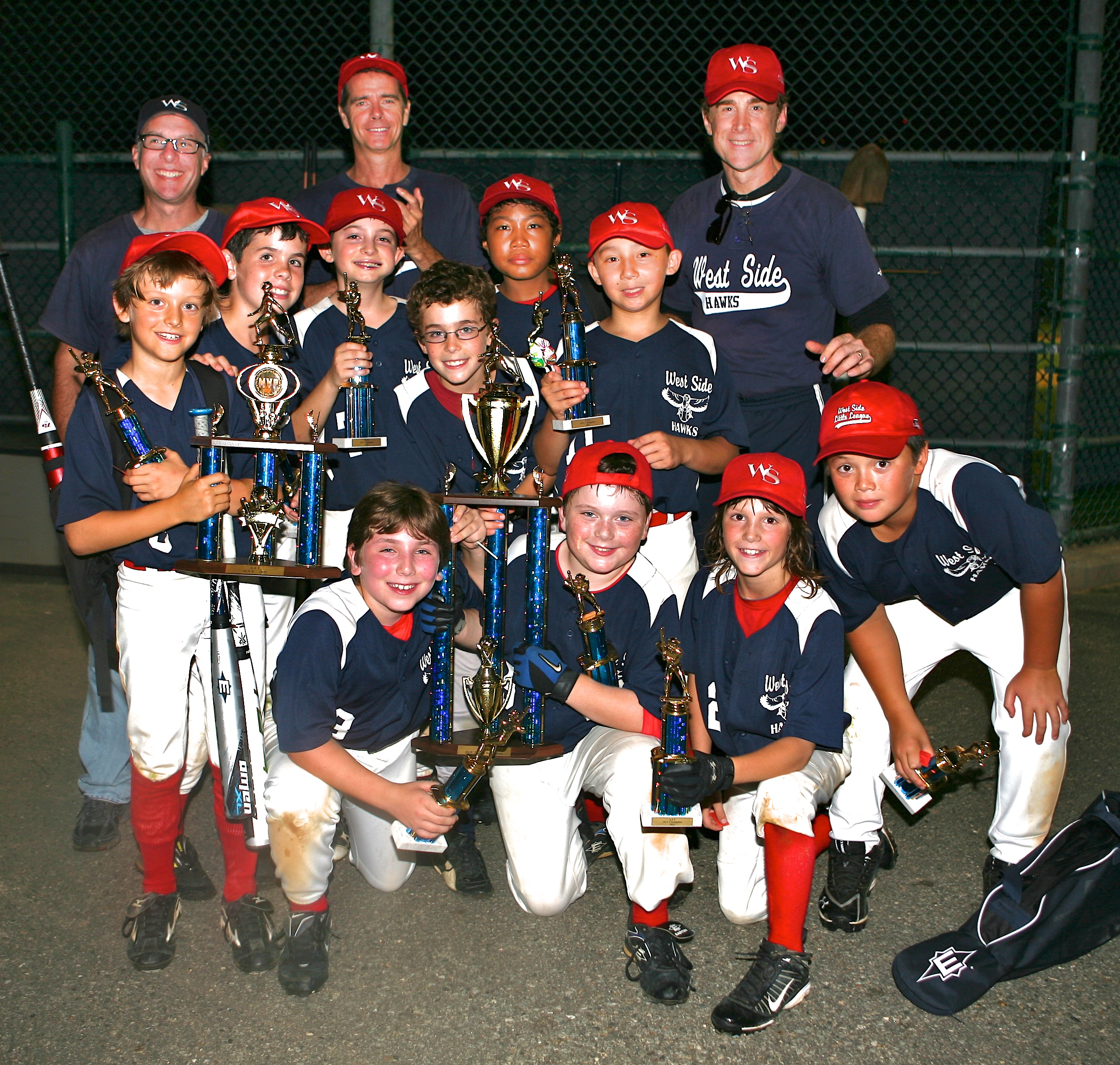 "9-10's ""White Hawks"" Team - 2011 Astor Tournament Champions!"
